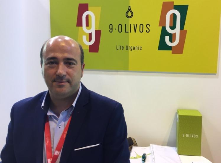 9 olivos Juan Gabriel Susi